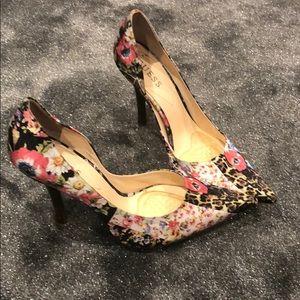 Guess floral pumps